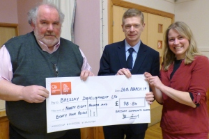 Bressay Development Ltd receives a cheque
